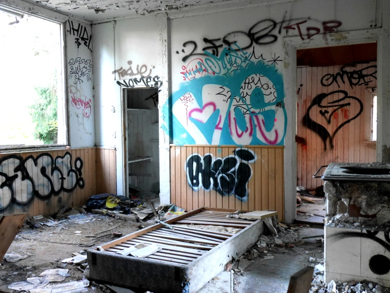 inside_graffiti1