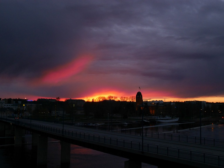 pinkki_auringonlasku